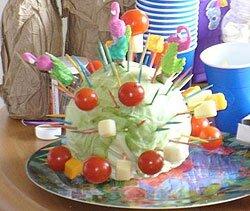 Поздравление молодожёнов с овощами 934